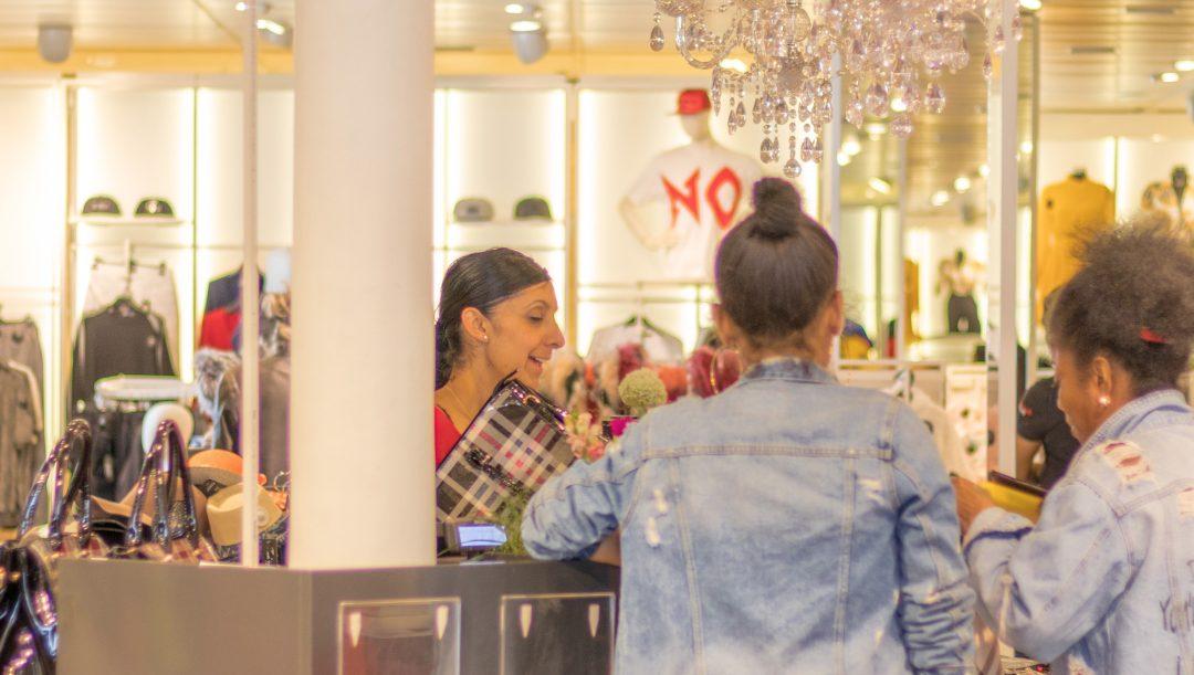 Caso de Estudio [IA y Modelos]: 15% de aumento en ventas de locales en Retail, creando modelos de asignación de turnos inteligente.